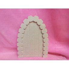 Grooved fairydoor with flower arch
